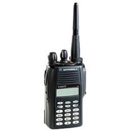 Kompaktní profesionální radiostanice Motorola GP388