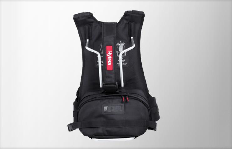 Nylonový batoh NCN010 pro převaděč Hytera RD965. Umožňuje snadné nošení RD965 s Li-Ion akumulátorem