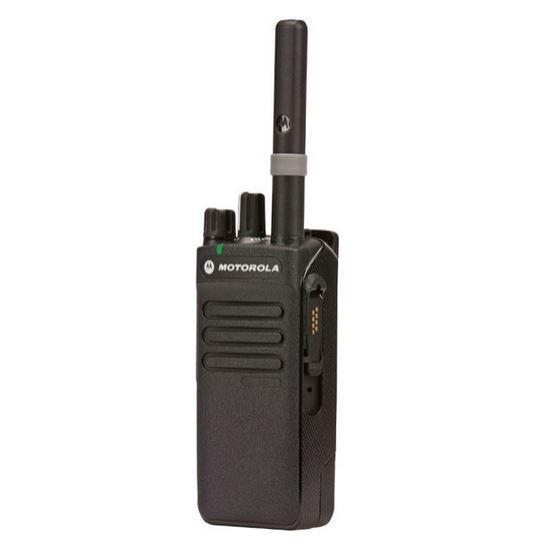 Digitální vysílačka Motorola DP2400e pohled ze strany