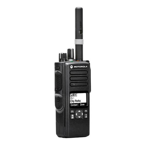 Digitální radiostanice Motorola DP4601e GPS a BT ze strany