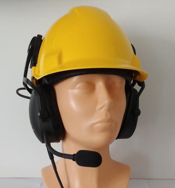 Těžká komunikační souprava na helmu pro radiostanice Hytera