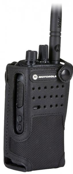 PMLN5845A nylonové pouzdro s opaskovým okem pro radiostanice Motorola DP4400e