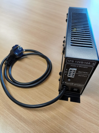 Zdroj 13,8V /10A, flexo šňůra, odpojovač baterie