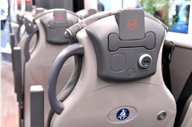Instalace USB zásuvky v sedadle autobusu